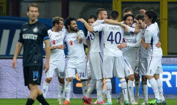 La Fiorentina sbanca San Siro, per l'Inter è notte fonda.