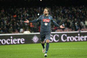 Higuain, suo il momentaneo 2-0 del Napoli