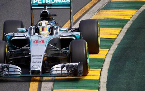 Hamilton trionfa nel primo Gp della stagione, a Melbourne