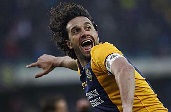 Toni l'Highlander distrugge il Napoli
