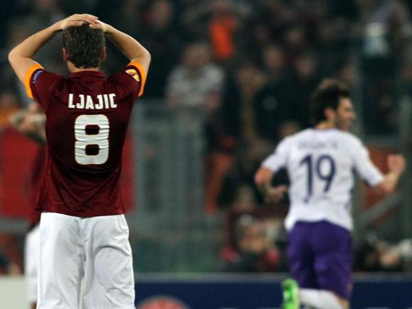 """Fiorentina: """"Grazie Roma"""": 3-0. Passa la Viola, l'Olimpico contesta"""