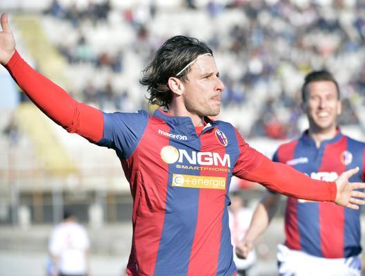 Cacia, doppietta nel 3-1 a Varese