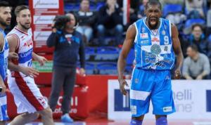 Lawal è stata il grande protagonista del successo di Sassari su Pesaro nella 6a giornata di ritorno di Serie A Beko.