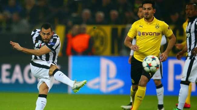Tevez umilia il Borussia