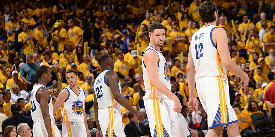 Playoff Nba: Thompson illegale, Warriors sul 2-0