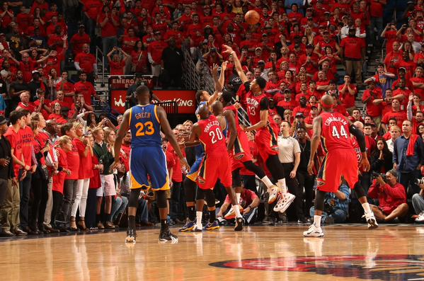 "Playoff Nba: Curry ""Paranormal activity"", 3-0 Warriors"