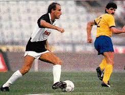 Ciccio Graziani, in azione con la maglia dell'Udinese