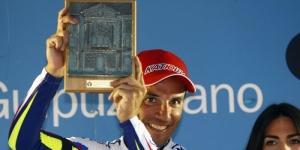 Purito Rodriguez festeggia la vittoria al Santuario di Arrate, quarta tappa del Giro dei Paesi Baschi