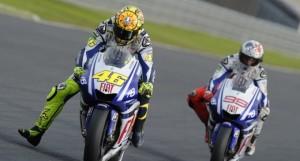 Lo straordinario sorpasso di Rossi su Lorenzo a Barcellona 2009