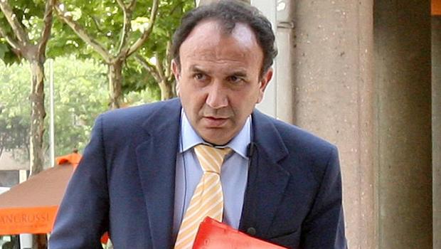 Manuel García Quilón vorrebbe dei ritocchi al contratto che lega Benitez al Napoli.