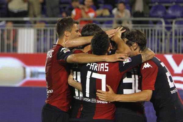 Cagliari batte Parma 4-0