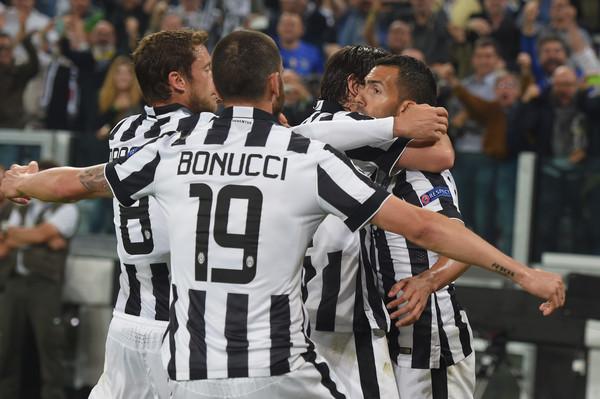 La Juventus vince in Europa e perde sui social