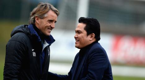 Roberto Mancini ed Erick Thohir Inter