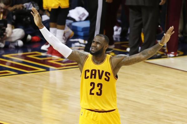 LeBron James autore di 40 punti in Gara-5 delle Finals Nba.