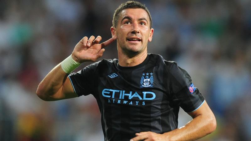Kolarov, terzino del Manchester City che Mihajlovic vuole portare al Milan