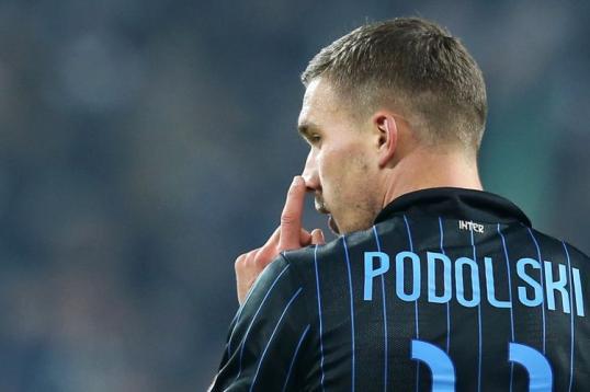 Lukas Podolski è uno dei cinque giocatori più deludenti in questa Serie A