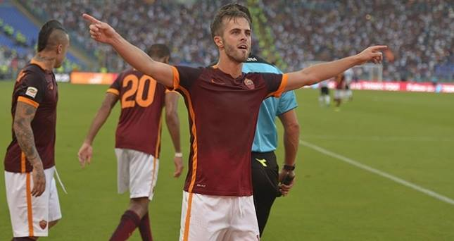 Miralem Pjanic, a segno nella vittoria della Roma contro la Juventus
