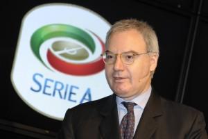Maurizio Beretta reo di aver commissionato l'inno della serie A