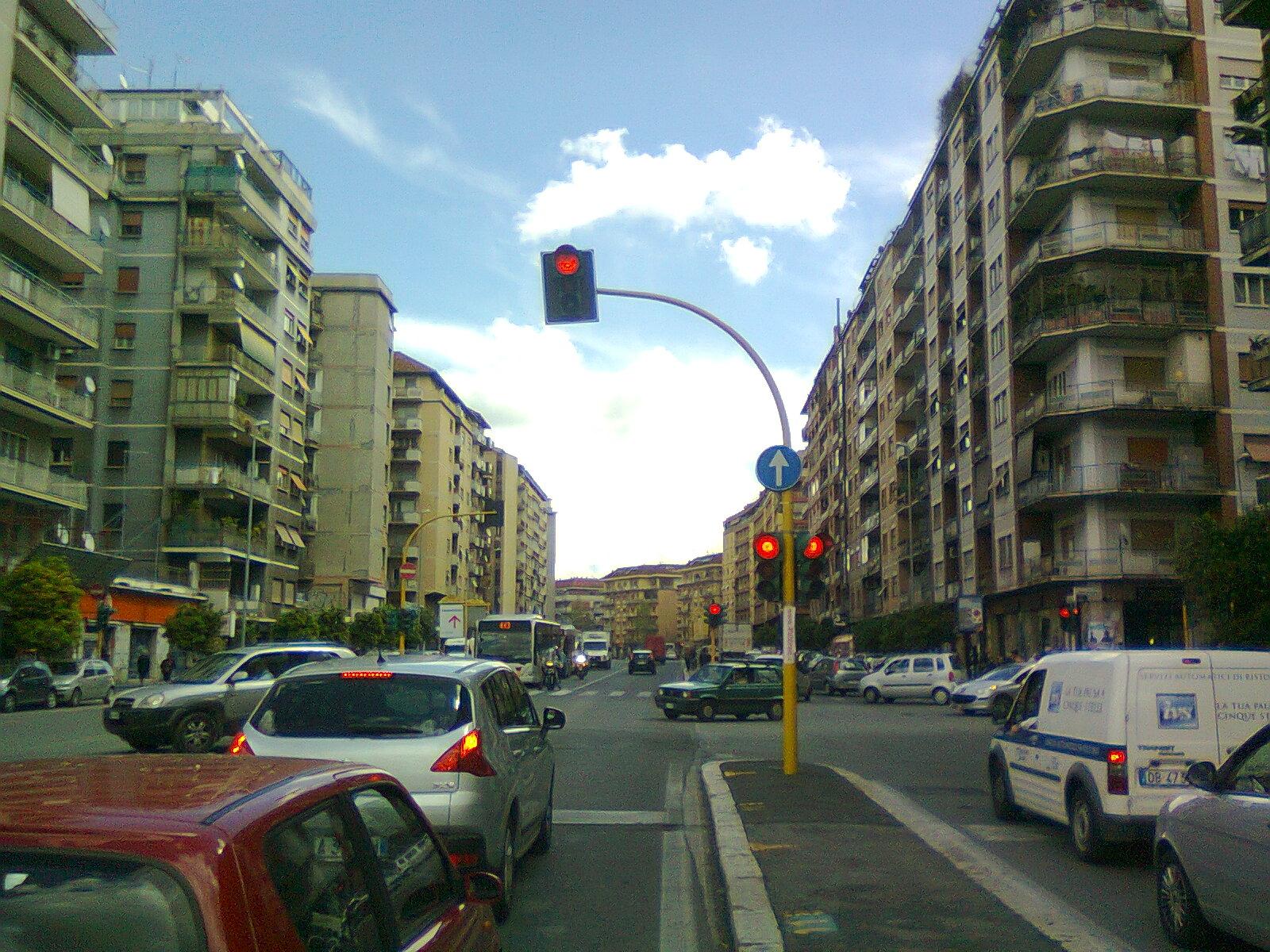 Roma, quartiere Tiburtino: il diavolo abita da queste parti, in un monolocale al primo piano