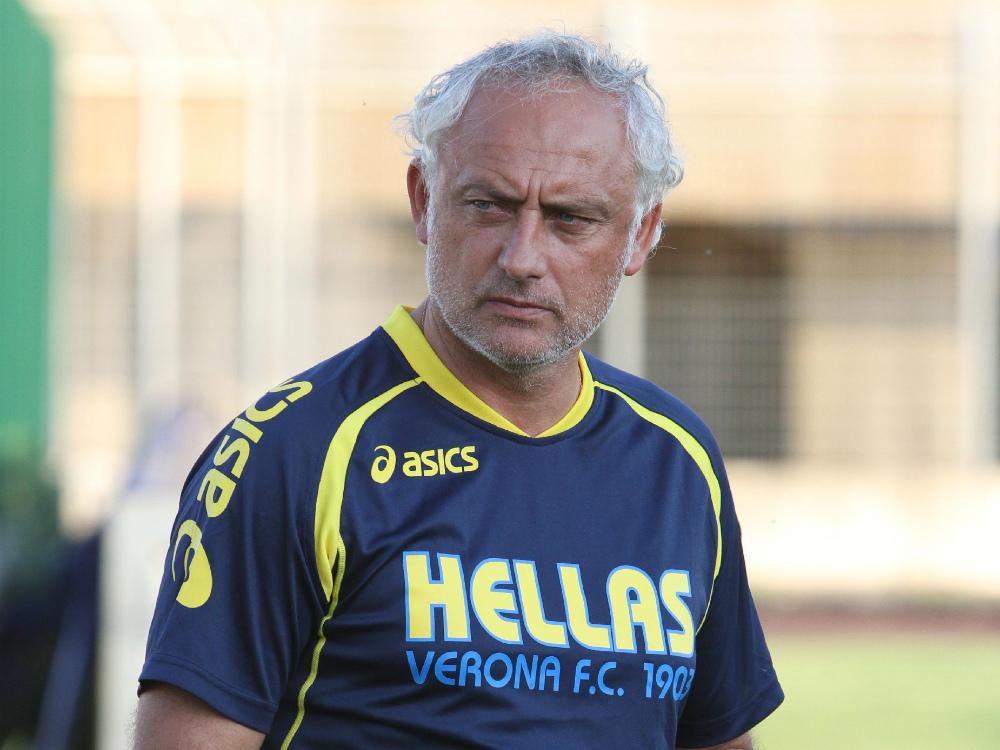 Andrea Mandorlini si prepara ad ospitare la Lazio a Verona