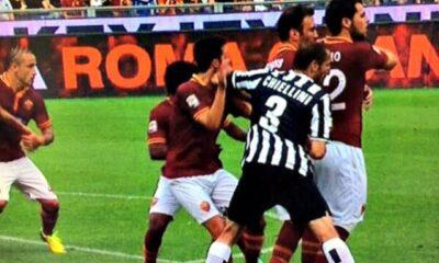 Giorgio Chiellini e la sua scorrettezza ai danni di Pjanic