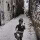 Lisetta Carmi,Bambino nei vicoli, Genova, 1966