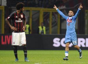 Insigne che esulta dopo il suo gol in Napoli-Milan