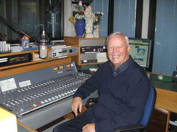 Padre Livio negli studi di Radio Maria