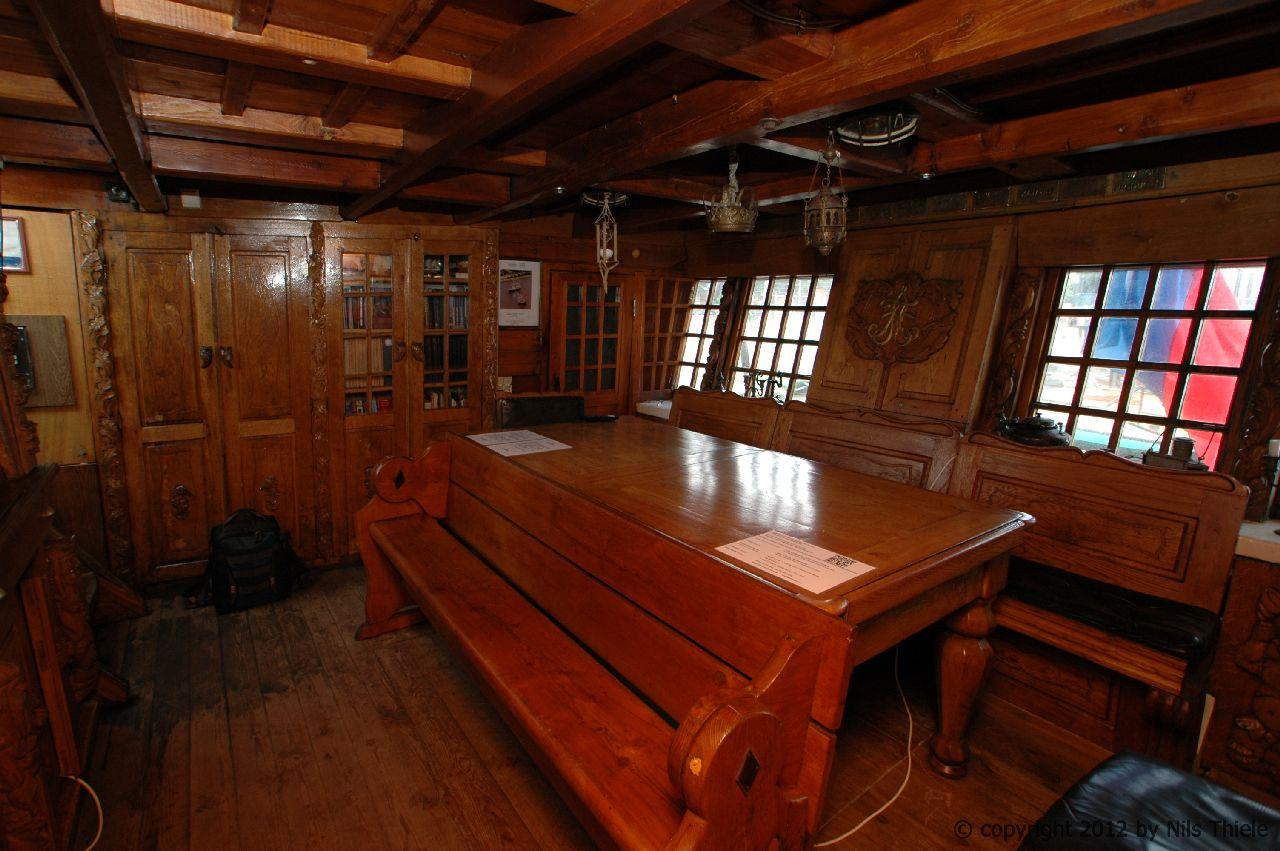 FREGATA SHTANDART 010 Admirals cabin
