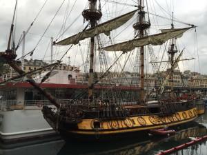 Fregata Russa davanti al Galata Museo del Mare