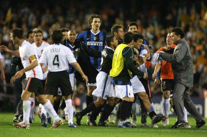 Valencia-Inter, una delle peggiori risse della storia del calcio