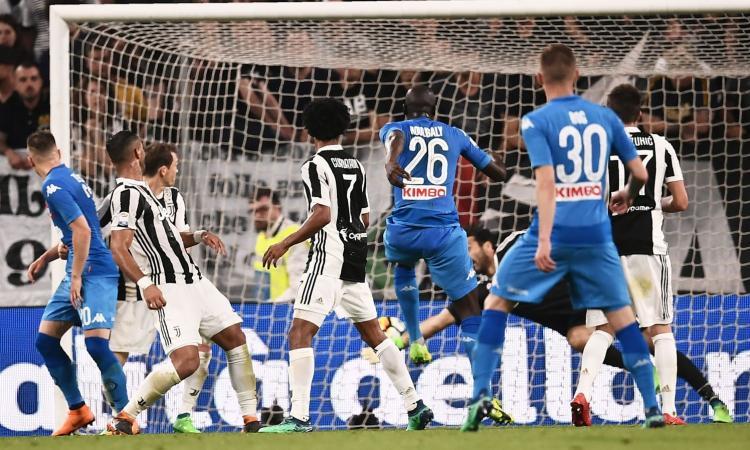 Il colpo di testa di Koulibaly che ha regalato i tre punti al Napoli