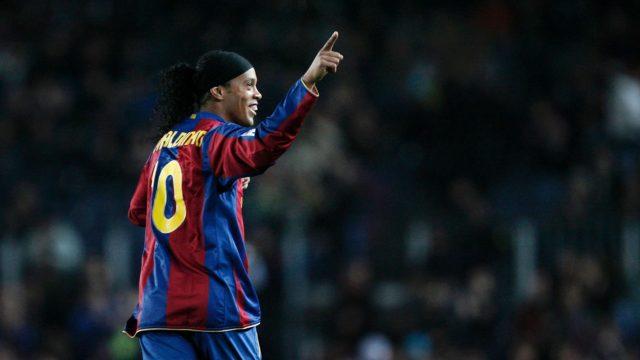 Ronaldinho in rosso: Paperino o Gastone?
