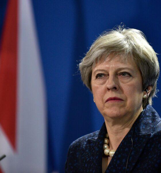 Il volto preoccupato di Theresa May