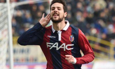 Mattia Destro con la maglia del Bologna