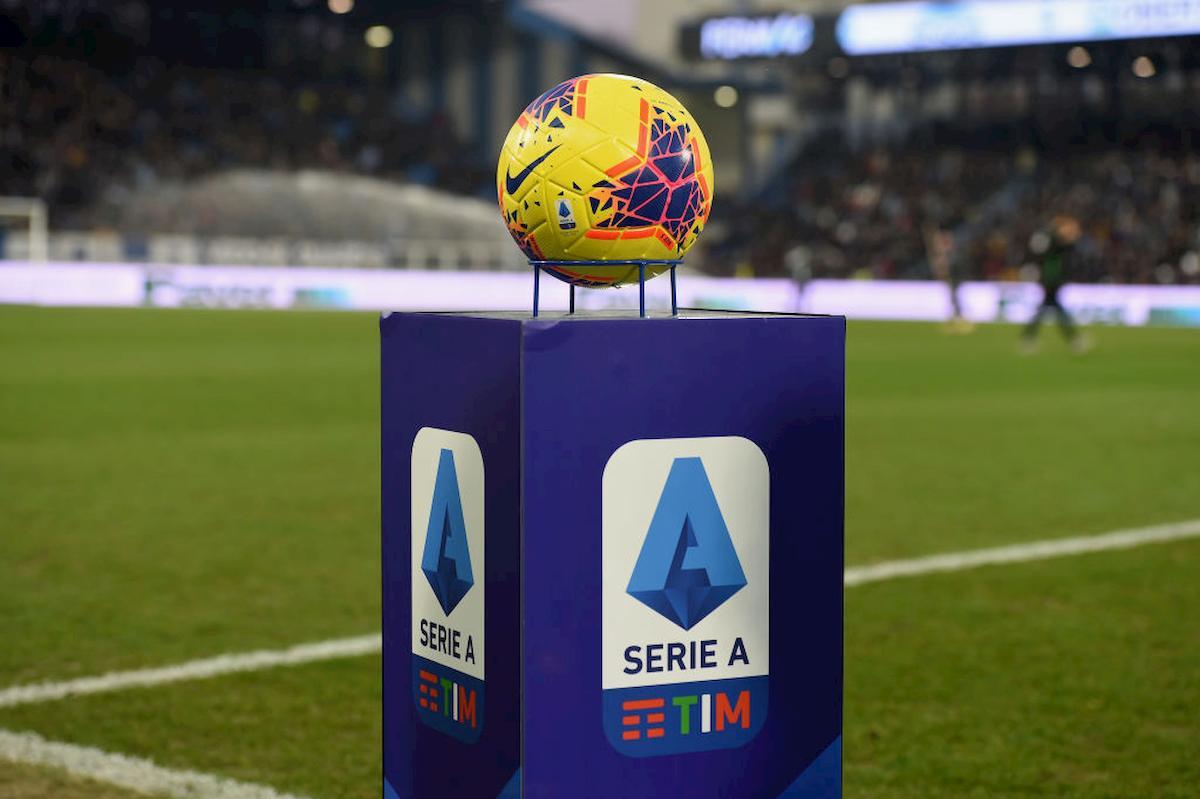 La Serie A riparte? Sono due gli schieramenti in causa: le argomentazioni possono risultare convincenti, ma il partito dei contro sembra in vantaggio