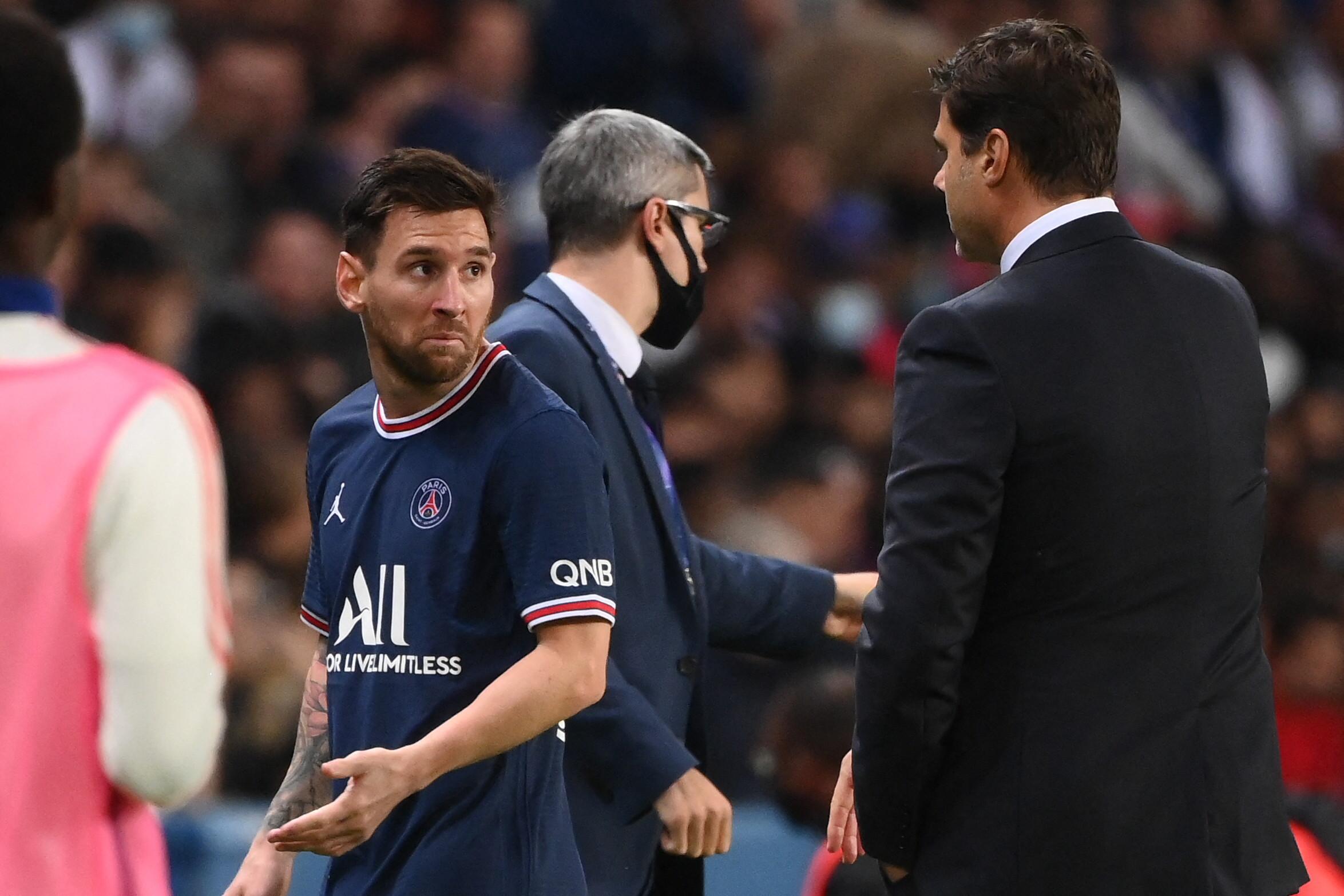 Leo Messi contrariato a momento della sostituzione (PSG-Lione 19 Settembre 2021) - Photo by Sportmediaset
