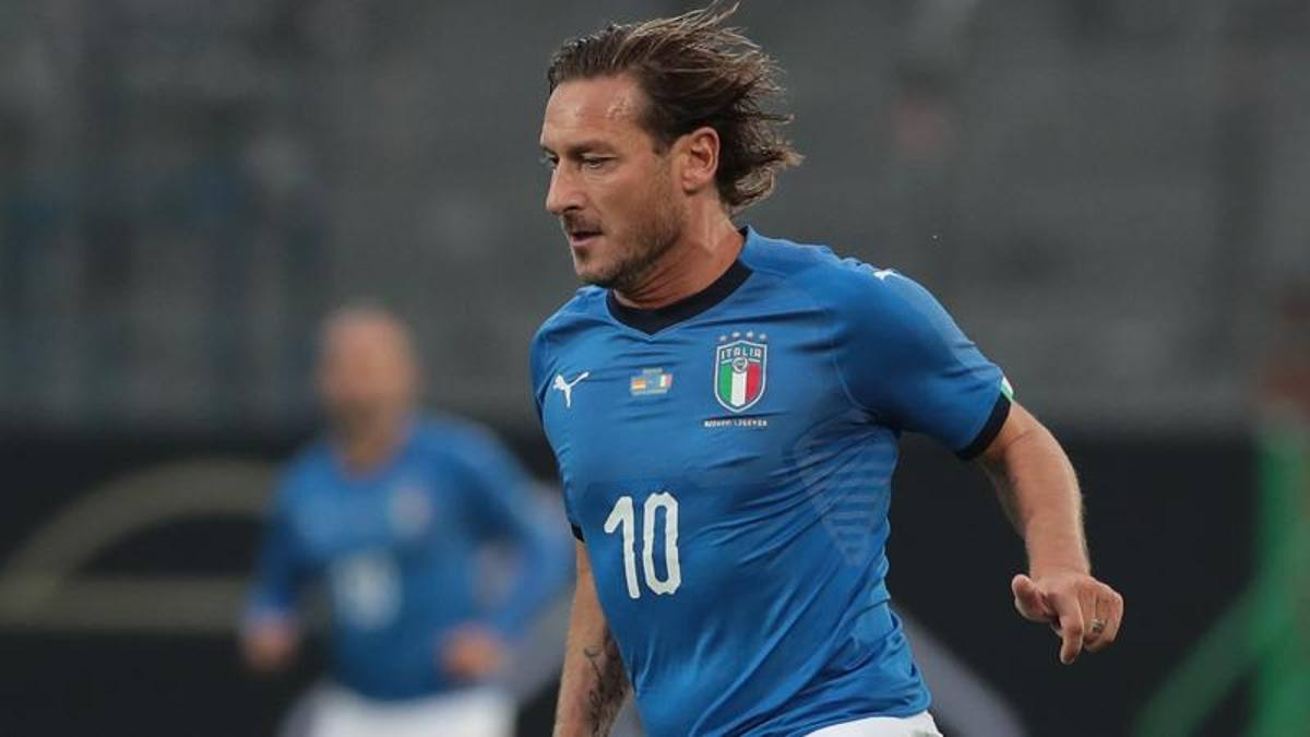 Totti debutta in Nazionale il 10 ottobre 1998